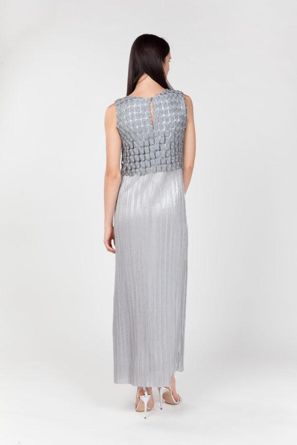 Vestido largo plisado plateado espalda