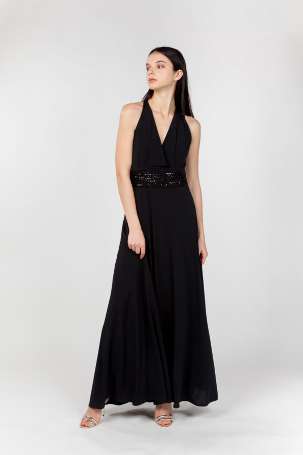 vestido largo negro lateral