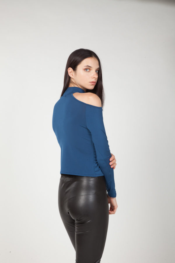 top hombros descubiertos azul espalda