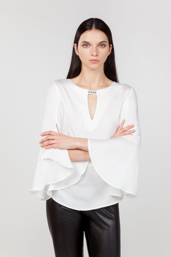 blusa mangas anchas blanca frontal 2