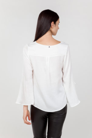 blusa mangas anchas blanca espalda