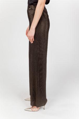 pantalón plisado dorado lateral