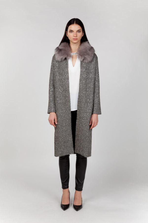 abrigo largo con pelo frontal