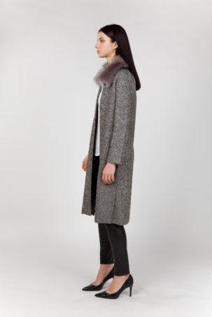 abrigo largo con pelo lateral